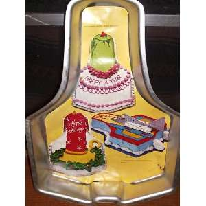 Starship Topper Vintage Novelty Cake Pan Candle, Rocket