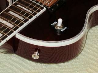 Gibson Les Paul Classic Custom Guitar Wine Mint w/free stand.