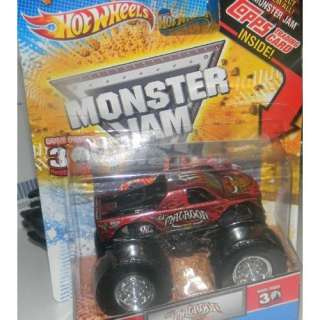 Hot Wheels Monster Jam Truck 164 El Matador with Topps Trading Card